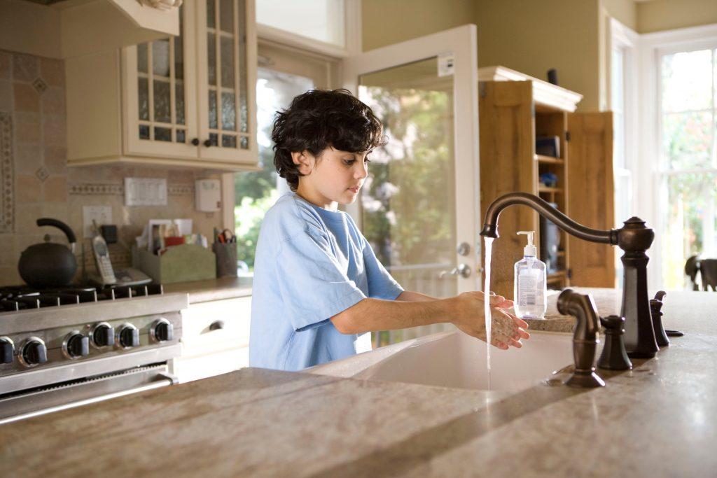 child hand washing